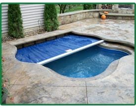 Inground Hot Tub with built in cover installed by Ohio Custom Pool & Patio